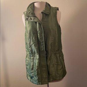 Amazing 🤩 green vest 💚